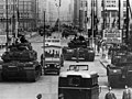 US Army tanks face off against Soviet tanks, Berlin 1961.jpg