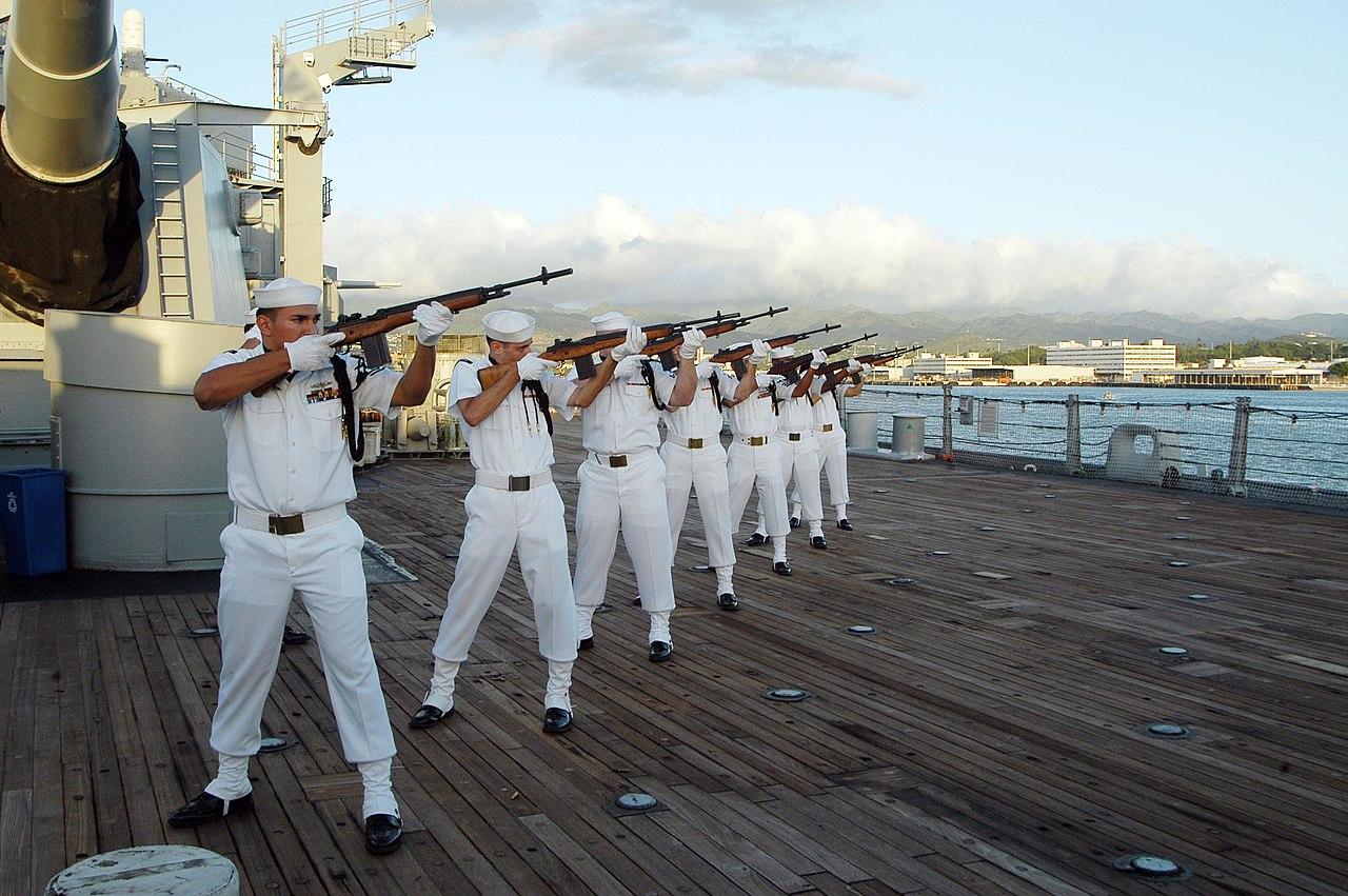File Us Navy 061111 N 6775n 071 Members Of The Navy Region
