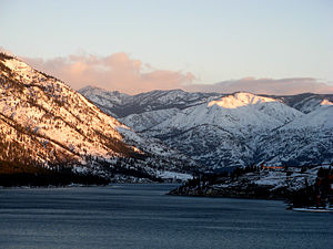 Lake Chelan - Image: Uplake from the south shore Lake Chelan