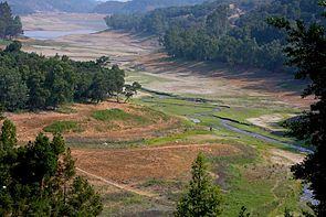 Upper Los Gatos Creek confluence with Lexington Reservoir 2008 Mercury Freedom.jpg