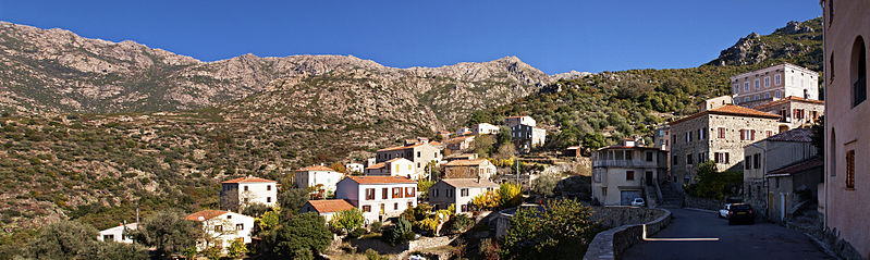 File:Urtaca village panorama 1.jpg