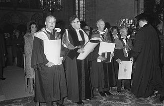 Robert J. Van de Graaff - Robert Van de Graaff (left) (Utrecht University, 1966)