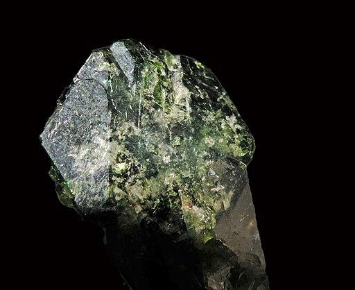 Uvite sur quartz (Brésil)