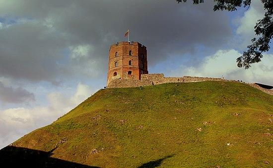 Gediminas' Tower in Vilnius, built under Vytautas VILLINUS OLD TOWN LITHUANIA SEP 2013 (9851576794).jpg