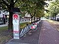 Varsovio, stacio de Veturilo nr-o 6326 kun strato.jpg