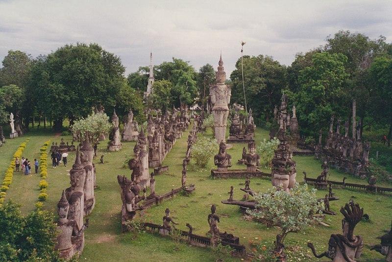File:Vientiane, Buddha Park (6172411347).jpg