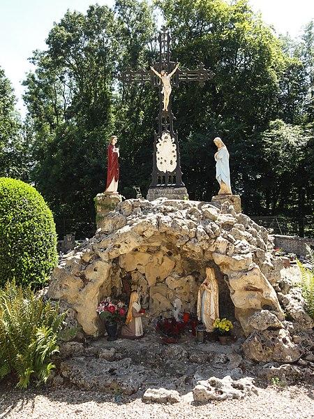 Ville-Houdlémont (Meurthe-et-M.) calvaire au cimetière