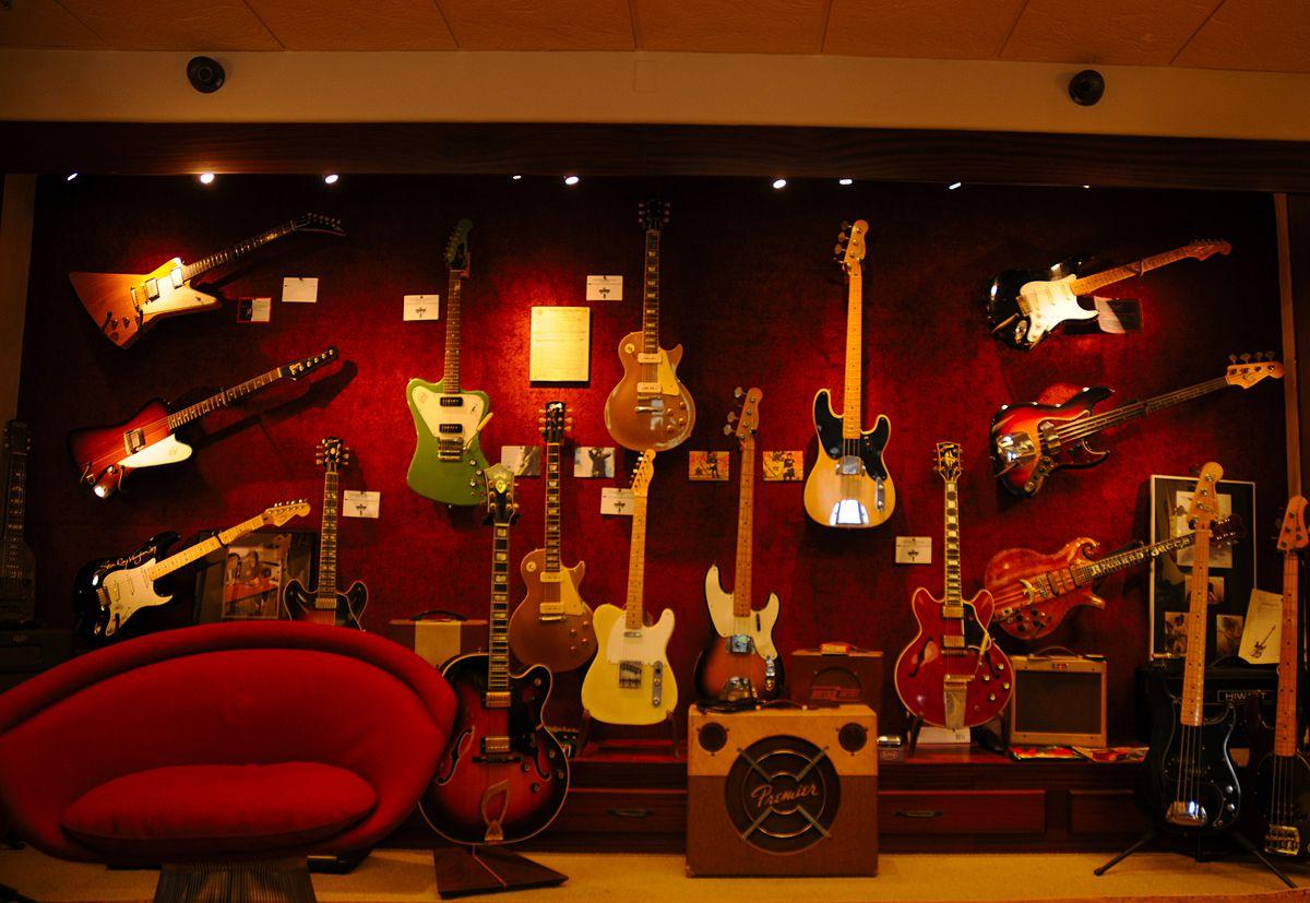 Vintage guitar - Wikipedia