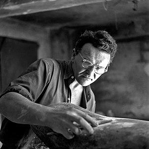Vojin Bakić - Vojin Bakić working in his atelier (1956)