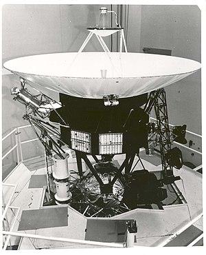 Cassegrain antenna - Cassegrain antenna on the Voyager spacecraft