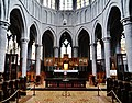 Walcourt Basilique St. Materne Innen Chor 1.jpg