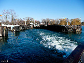 Toronto Island ferries - Ward's Island Docks