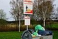 Warnschild an einem Autobahnparkplatz in Baden-Württemberg bei Bickelberg 01.jpg