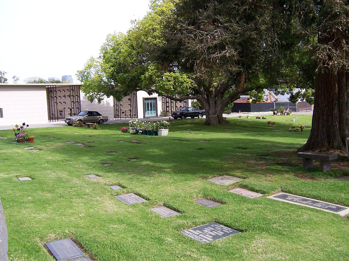 westwood village memorial park cemetery wikip dia