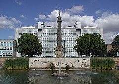 Wilberforce Monument, Hull - geograph.org.uk - 518980.jpg