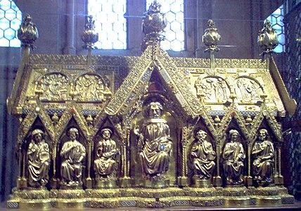Złoty relikwiarz- Elisabethkirche.jpg