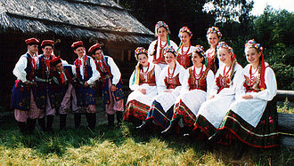 Culture of Kraków - Folk dancers in traditional costumes from Kraków (regarded as Polish national costumes)