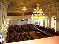 Zasedací sál Poslanecké sněmovny.jpg