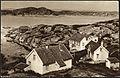 """""""Millom bakkar og berg utmed havet, heve nordmannen fenge sin heim"""" (22148194352).jpg"""