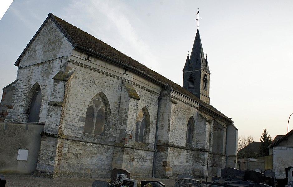 Église et cimetière à Compertrix.