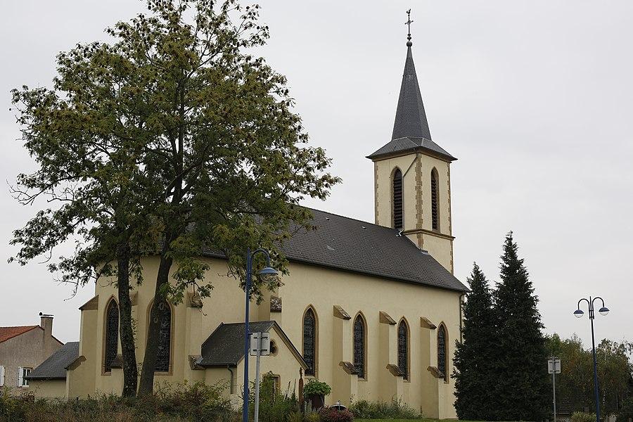 Église Saint-Albin d'Évrange vue du Luxembourg.