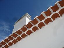 Génoise (architecture) — Wikipédia