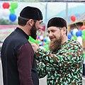 Награждение Главой Чеченской Республики, Героем России Рамзаном Ахматовичем Кадыровым почётным званием Заслуженный строитель.jpg