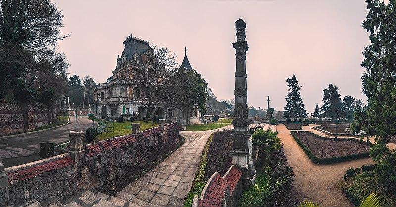 Комплекс споруд палацу Олександра III, Масандра. Автор фото — Віталій Башкатов, ліцензія CC-BY-SA-4.0