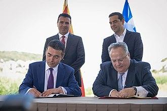 Prespa agreement - The Foreign Ministers of the two countries, Nikola Dimitrov and Nikos Kotzias, sign the agreement before the Prime Ministers Zoran Zaev and Alexis Tsipras