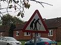 -2018-11-01 Elderly people crossing warning sign, Munhaven Close, Mundesley.JPG