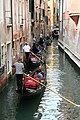 0 Venise, gondoliers sur le Rio di San Salavador (6).JPG
