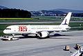 131ah - TACV Cabo Verde Airlines Boeing 757-2Q8; D4-CBG@ZRH;11.05.2001 (5888132960).jpg