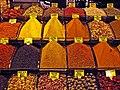 19 Basar Egipci d'Istanbul (Mısır Çarşısı), parada d'espècies.jpg