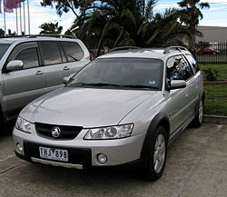 2004 Holden Adventra (VY II) CX8 station wagon (2008-08-31) 01.jpg