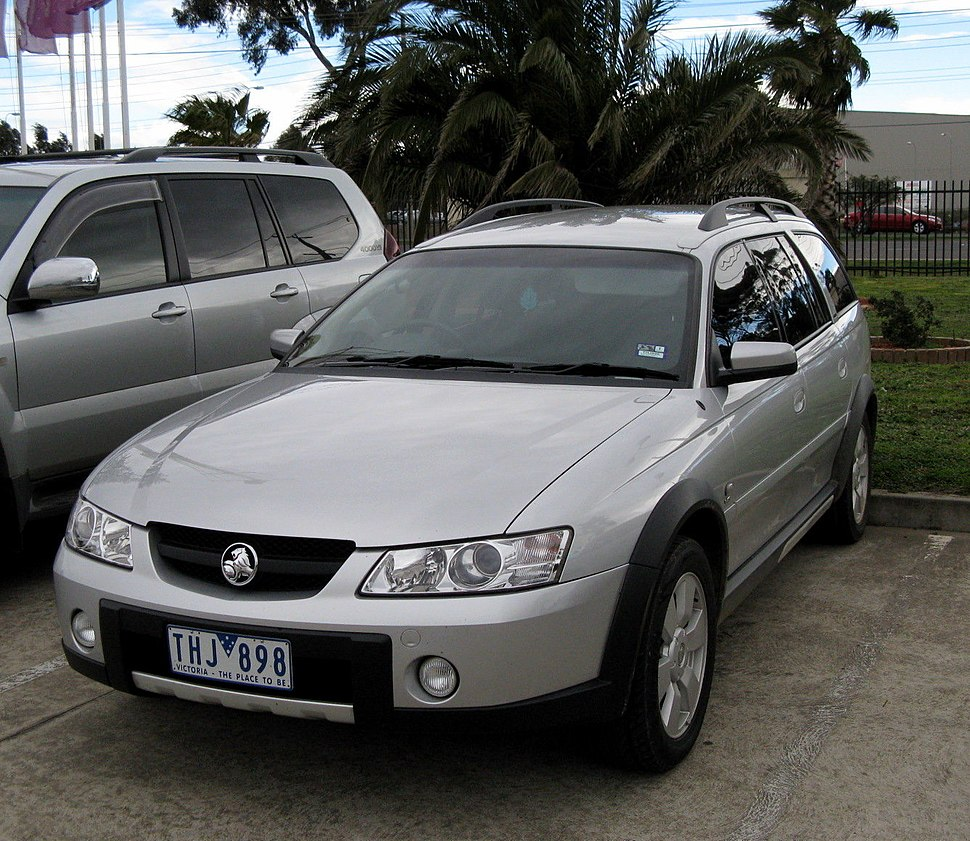 Holden Commodore (VY) - Howling Pixel