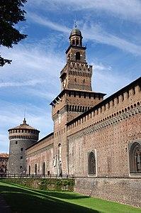 Il Castello Sforzesco, con la Torre del Filarete