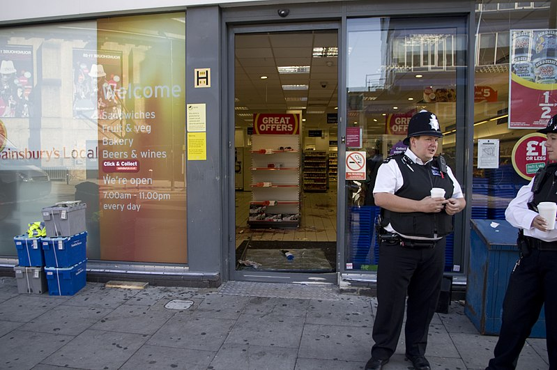 File:2011 London riots looted Tesco in Camden.jpg