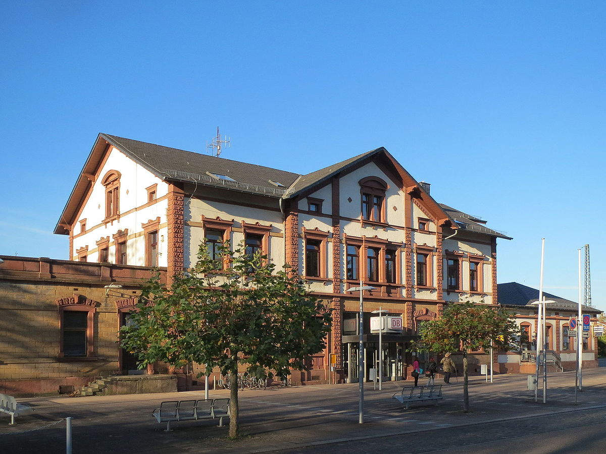 Heimkino St Ingbert : st ingbert stacja kolejowa wikipedia wolna encyklopedia ~ Markanthonyermac.com Haus und Dekorationen