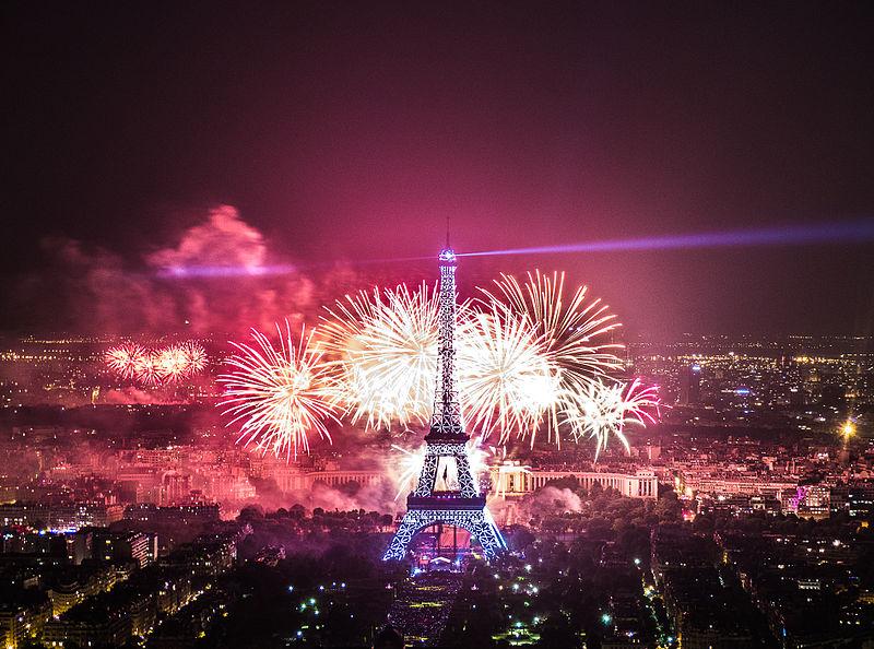 File 2013 fireworks on eiffel tower - Reveillon original paris ...