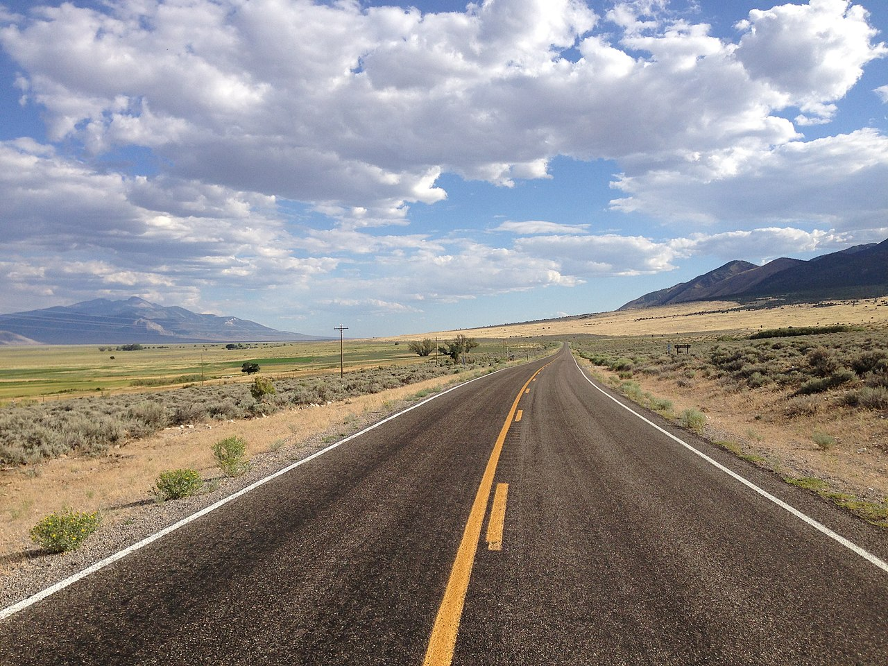 File:2014-08-09 17 10 18 View south along Nevada State ...