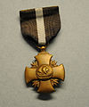 2014.020.007 Award, Medal, Navy Cross (13997822835).jpg