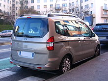 2014 Ford Tourneo Courier (rr).jpg