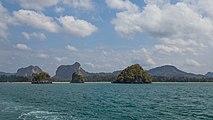 2016 Prowincja Krabi, Widoki ze statku płynącego na trasie Ao Nang - Ko Lanta Yai (08).jpg