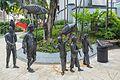 "2016 Singapur, Chinatown, Park Telok Ayer, Pomnik ""Procesja chińska"" (02).jpg"