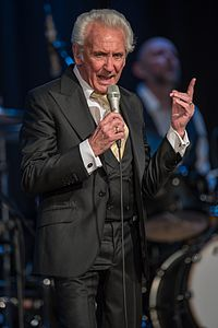 2016 Tony Christie - by 2eight - 8SC5929.jpg