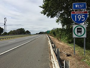 Interstate 195 (New Jersey) - View west along I-195 in Hamilton