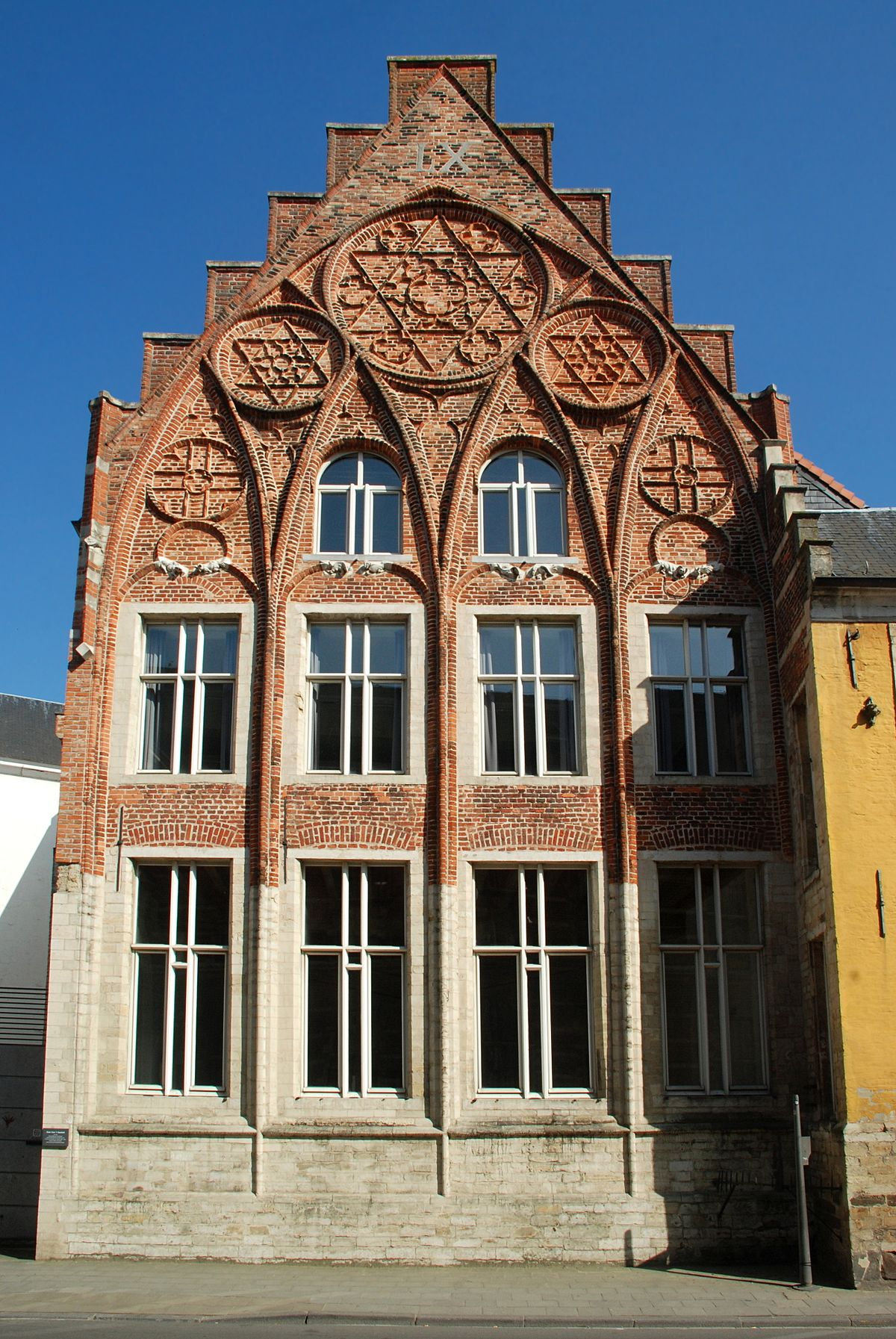 Maison van 39 t sestich wikip dia for Piscine miroir wikipedia