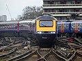 43086 approaches Waterloo (17125875505).jpg