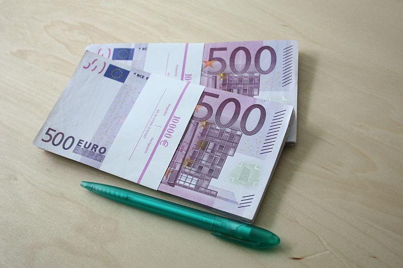 File:500 Euro Scheine 20000 Euro b.JPG