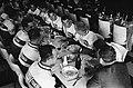 51ste Tour de France 1964, maaltijden Nederlandse ploeg, Bestanddeelnr 916-5766.jpg